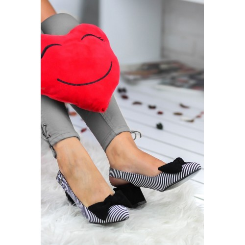 Alins Black Bow Heeled Shoes
